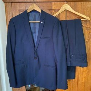 Politix Men's dark blue suit M/36